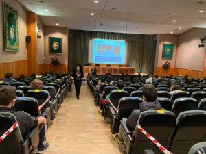 Taller de lectura de prensa (Aula Magna del Real Colegio Escorial María Cristina) dirigido por la periodista Lucía Herranz